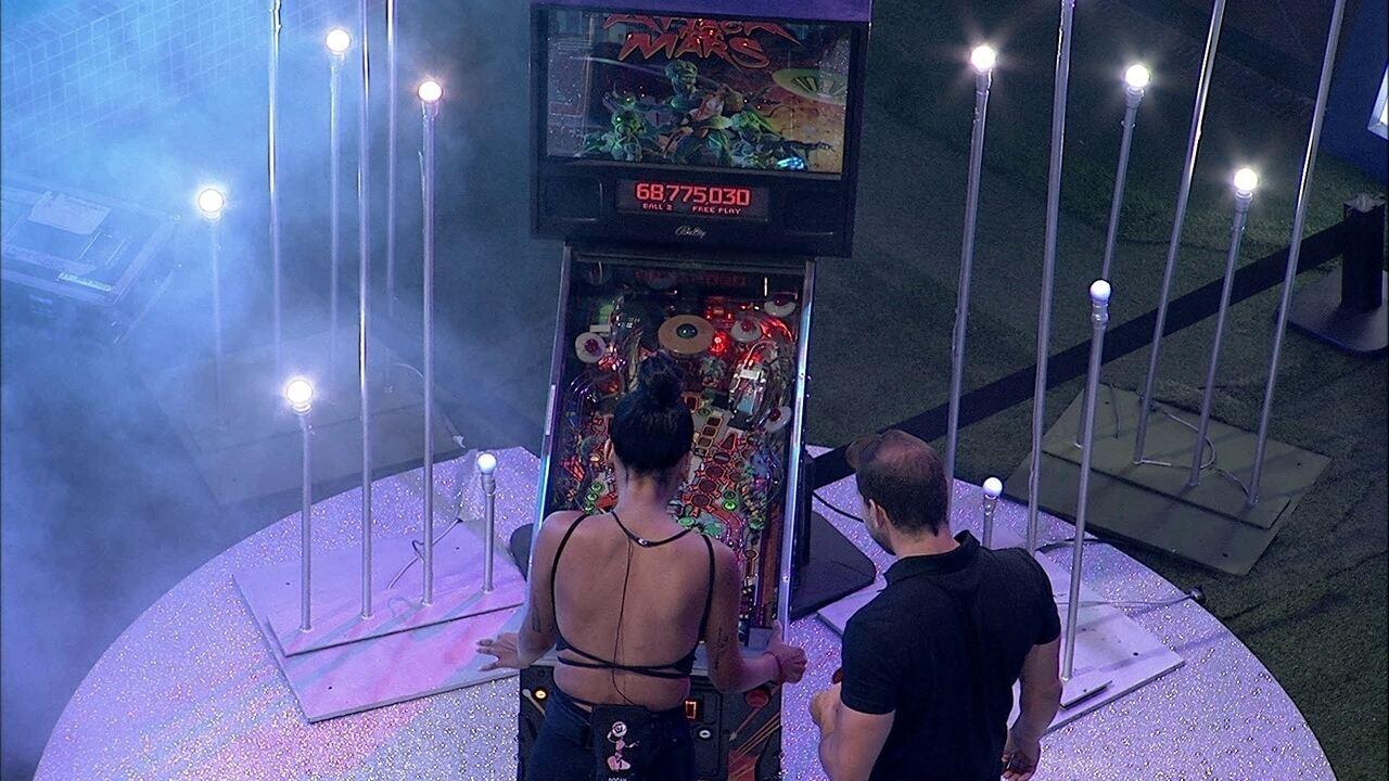 Pocah se diverte com jogo na Festa da Líder Karol Conká no BBB21