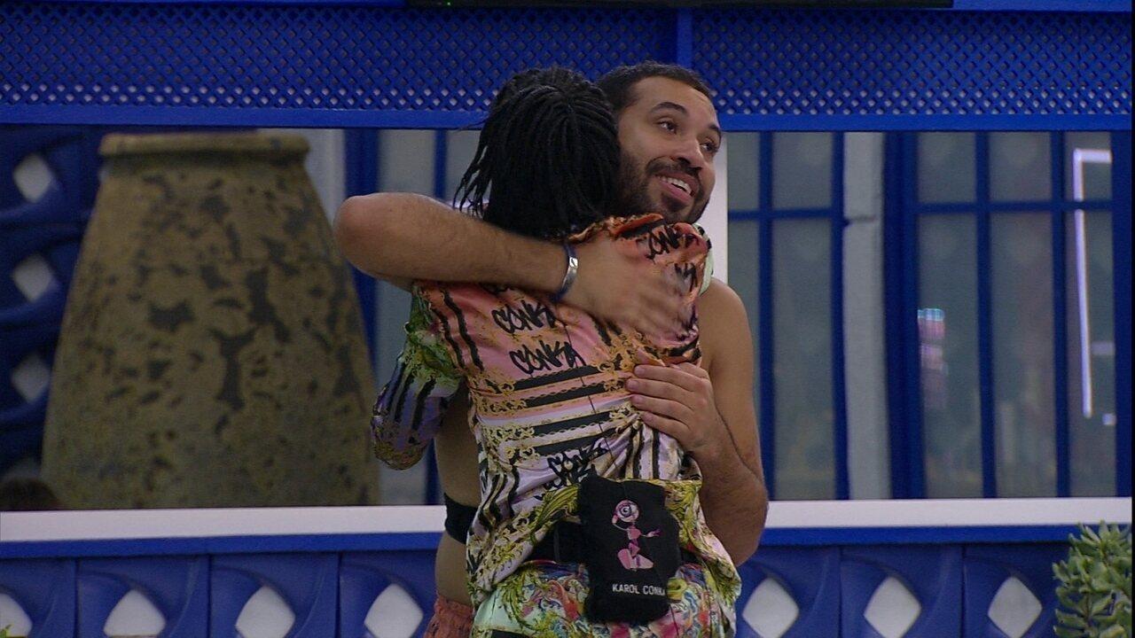 Gilberto agradece Karol Conká por não ser vetado da Prova do Líder do BBB21: 'Muito grato'