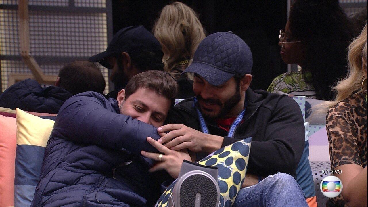 Anjo Caio imuniza Rodolffo no Quarto Paredão do BBB21