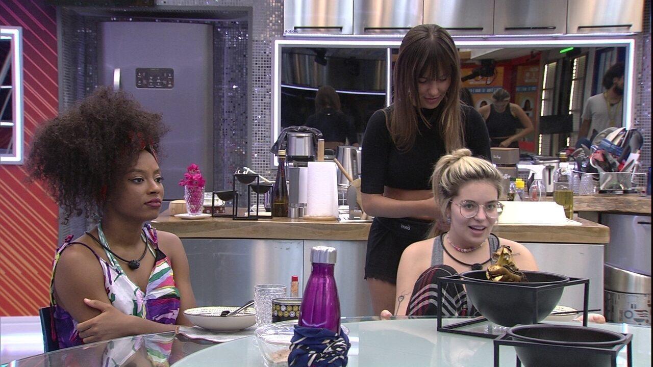 Vihh Tube brinca com Thaís e Juliette sobre Fiuk no BBB21: 'Não sei quem era mais iludida