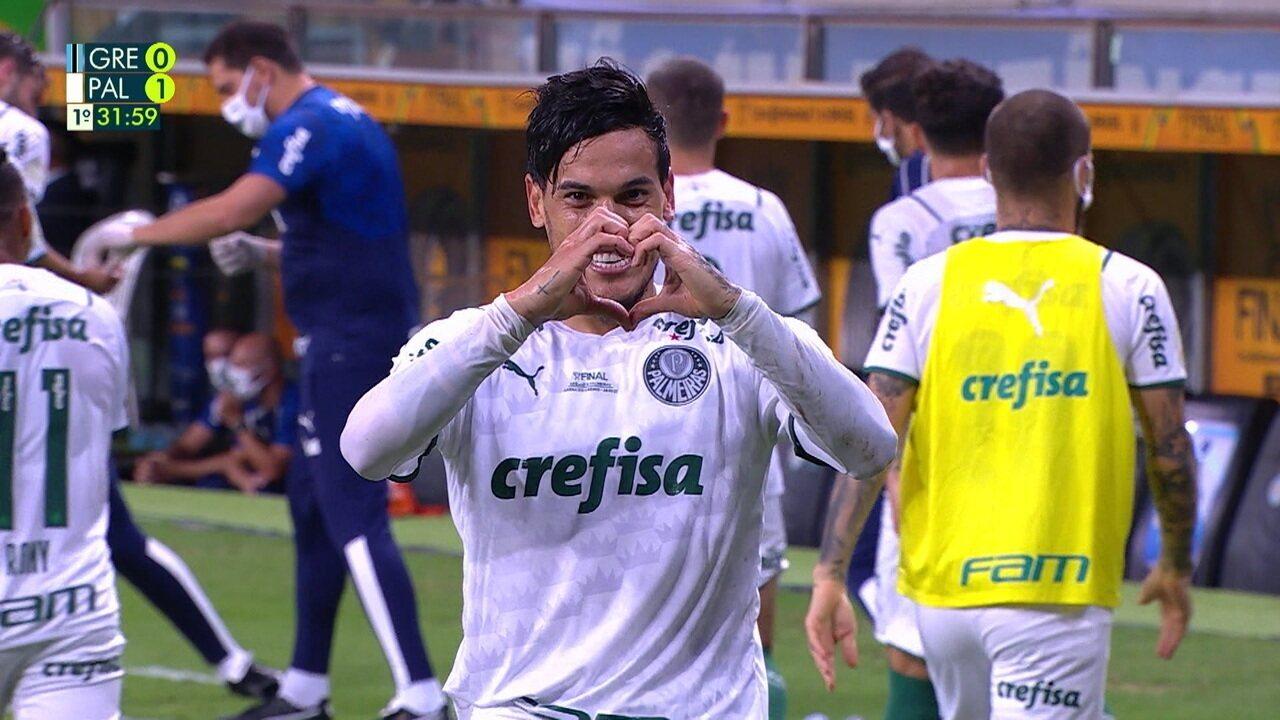 Gol do Palmeiras! Após escanteio, Gustavo Gómez sobe sozinho na pequena área, testa firme e abre o placar, aos 31 do 1º tempo