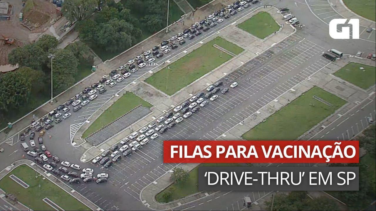 VÍDEO: Postos de vacinação drive-thru em SP registram filas de espera nesta segunda (1º)