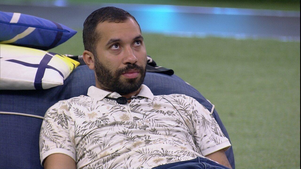 No BBB21, Gilberto analisa com João Luiz sobre o próximo Paredão: 'Vai nós dois'