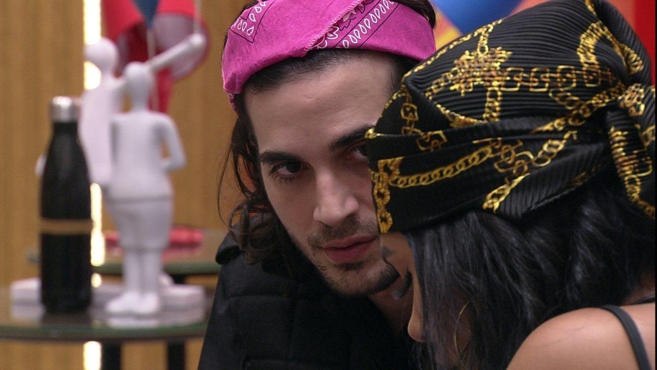Fiuk diz para Pocah após sister votar nele no Paredão Falso: 'Não faria a mesma coisa'