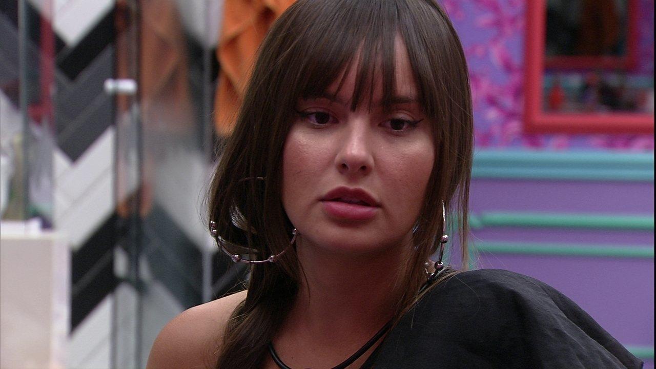 Thaís questiona Carla Diaz sobre reação de Arthur: 'Ele nem te abraçou mesmo?'