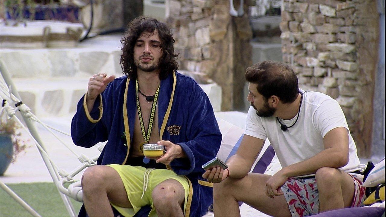 Fiuk fala para Caio sobre possível indicação ao Paredão no BBB21: 'Pensei no Projota'