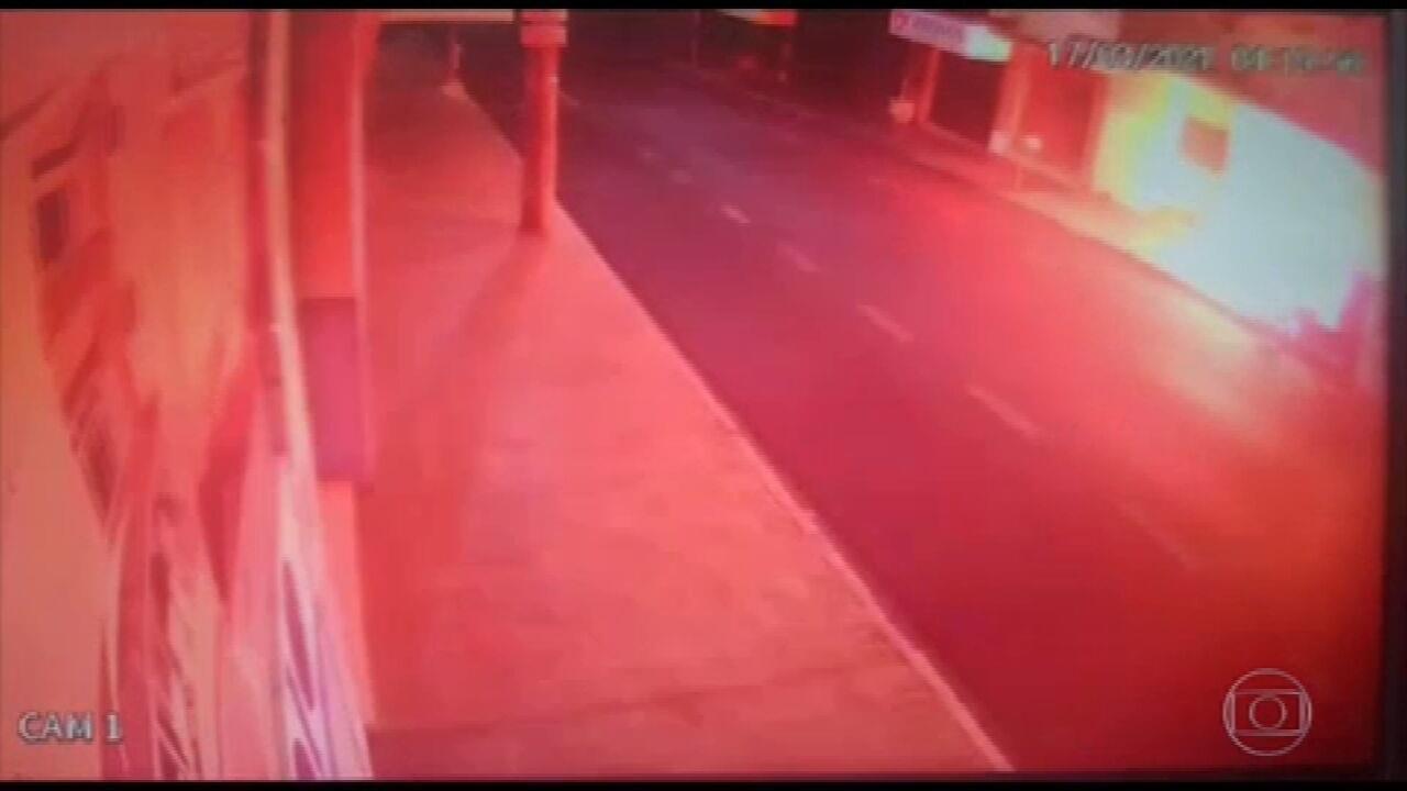 Polícia investiga ataque criminoso ao prédio de um jornal no interior paulista