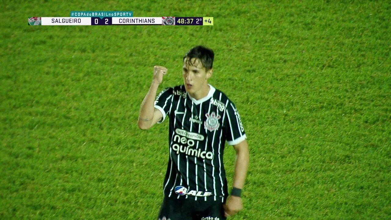 Veja o golaço de Mateus Vital na vitória do Corinthians sobre o Salgueiro