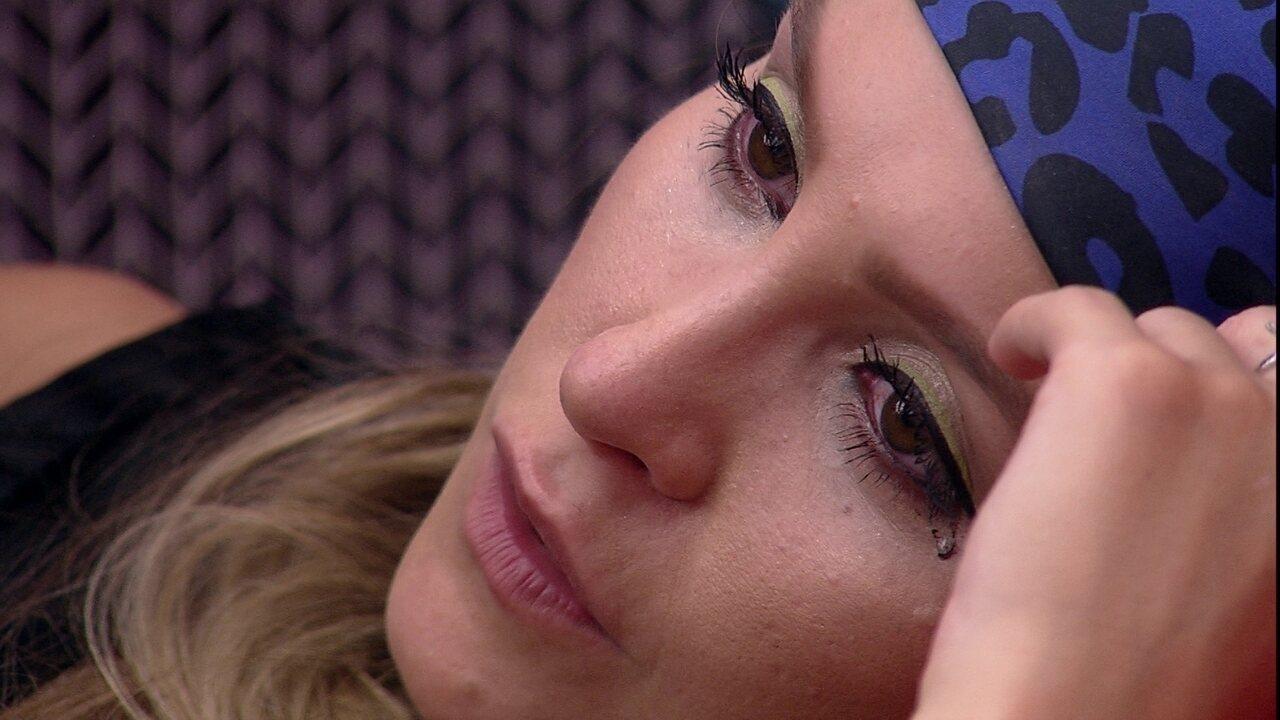 Carla Diaz diz em DR com Arthur: 'Não sei fingir que nada está acontecendo'