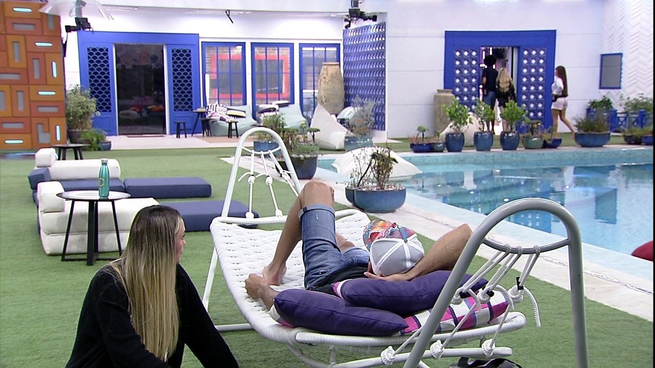 Sarah revela a Rodolffo: 'Fico pensando se eu não estou pesando a mão com a Juliette'