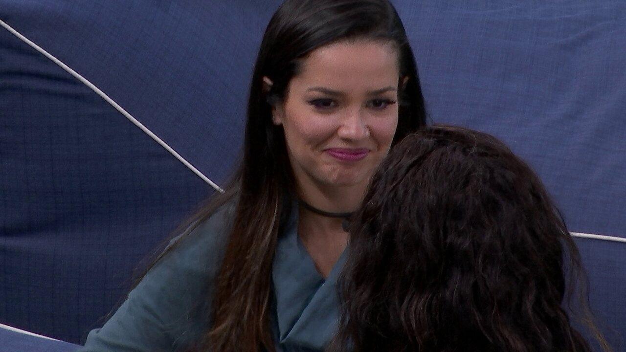No BBB21, Juliette relata para Camilla de Lucas: 'Eles acham que eu sou fraca e vão querer