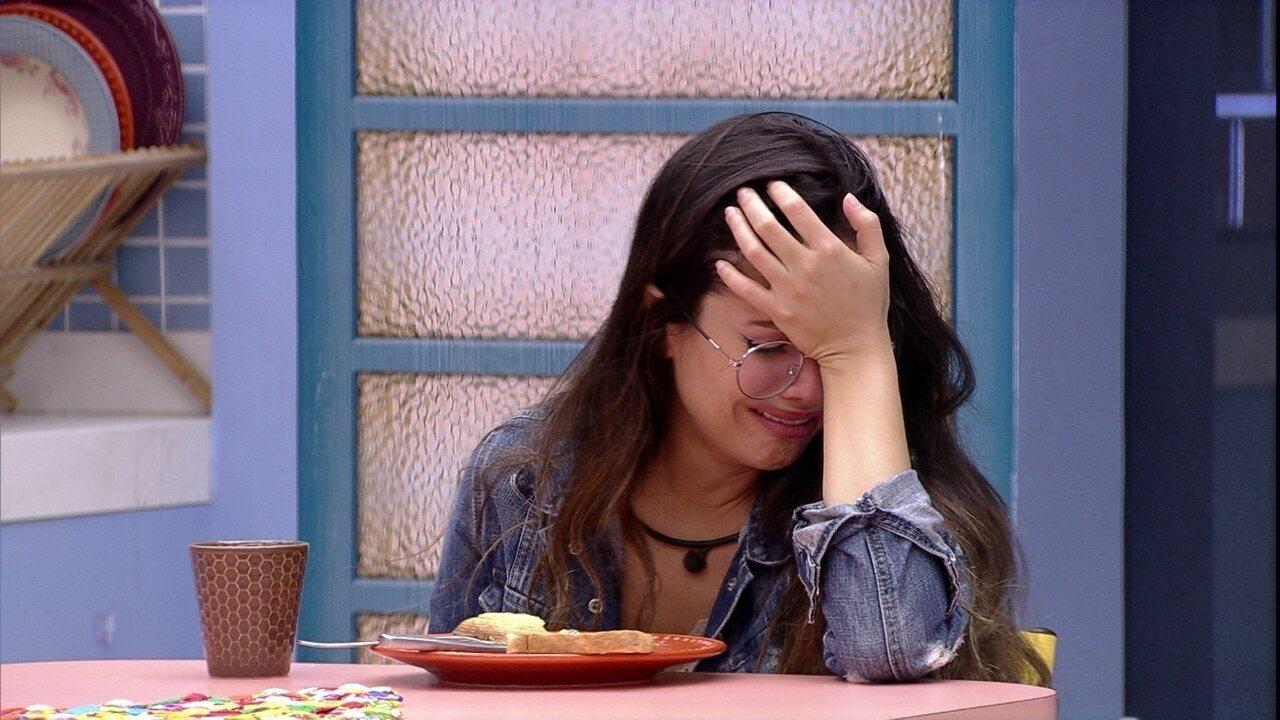 Sozinha, Juliette chora na cozinha da Xepa no BBB21