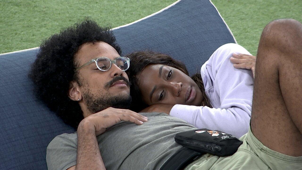 Em noite de Eliminação no BBB21, João Luiz declara torcida: 'Tomara que a Ju fique'
