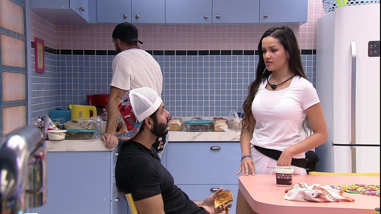 Juliette dispara para Rodolffo: 'Não podia ser boba de dar 'coração''