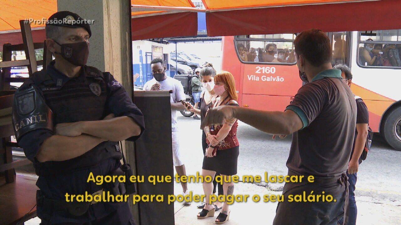 VÍDEO: comerciante se revolta com multa por desrespeitar restrições e ataca fiscal