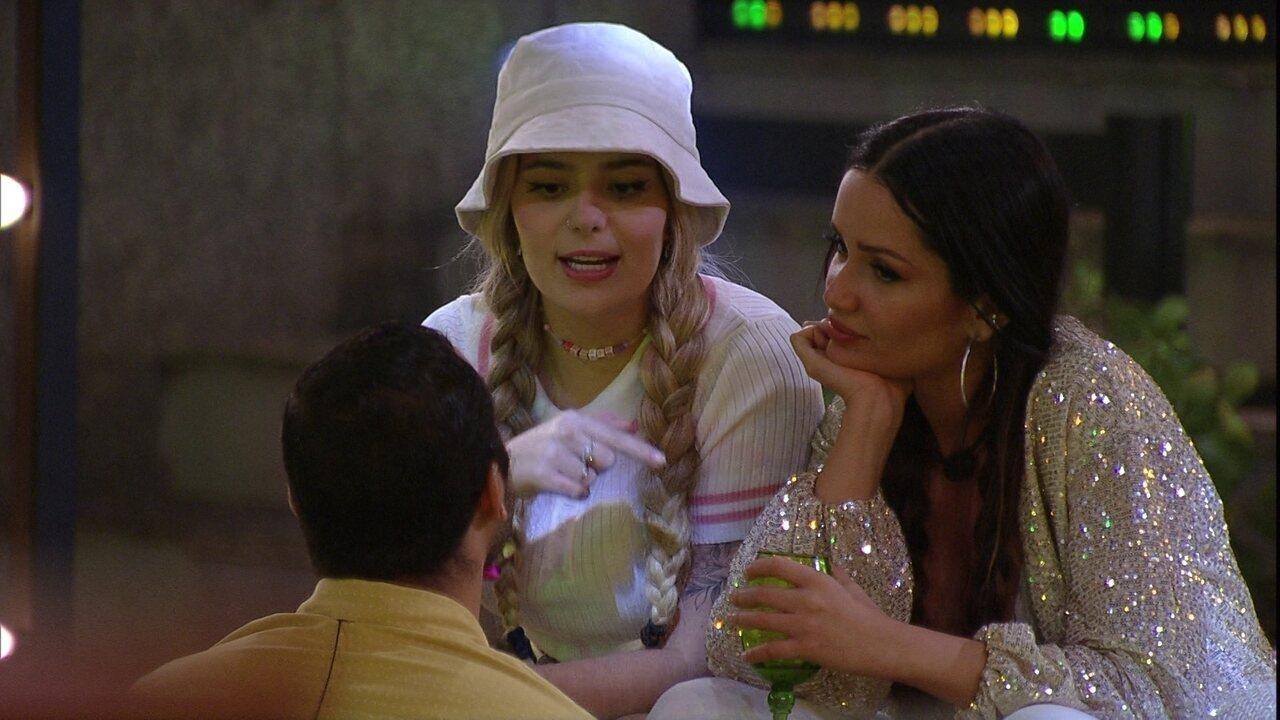 BBB21: Viih Tube diz para Gilberto: 'Eu não gostava da forma que você tratava a Juliette'