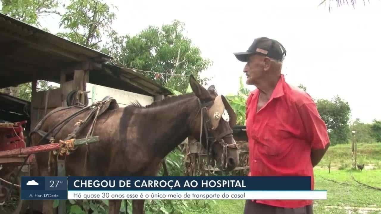Mulher com suspeita de covid é levada pelo marido de carroça ao hospital