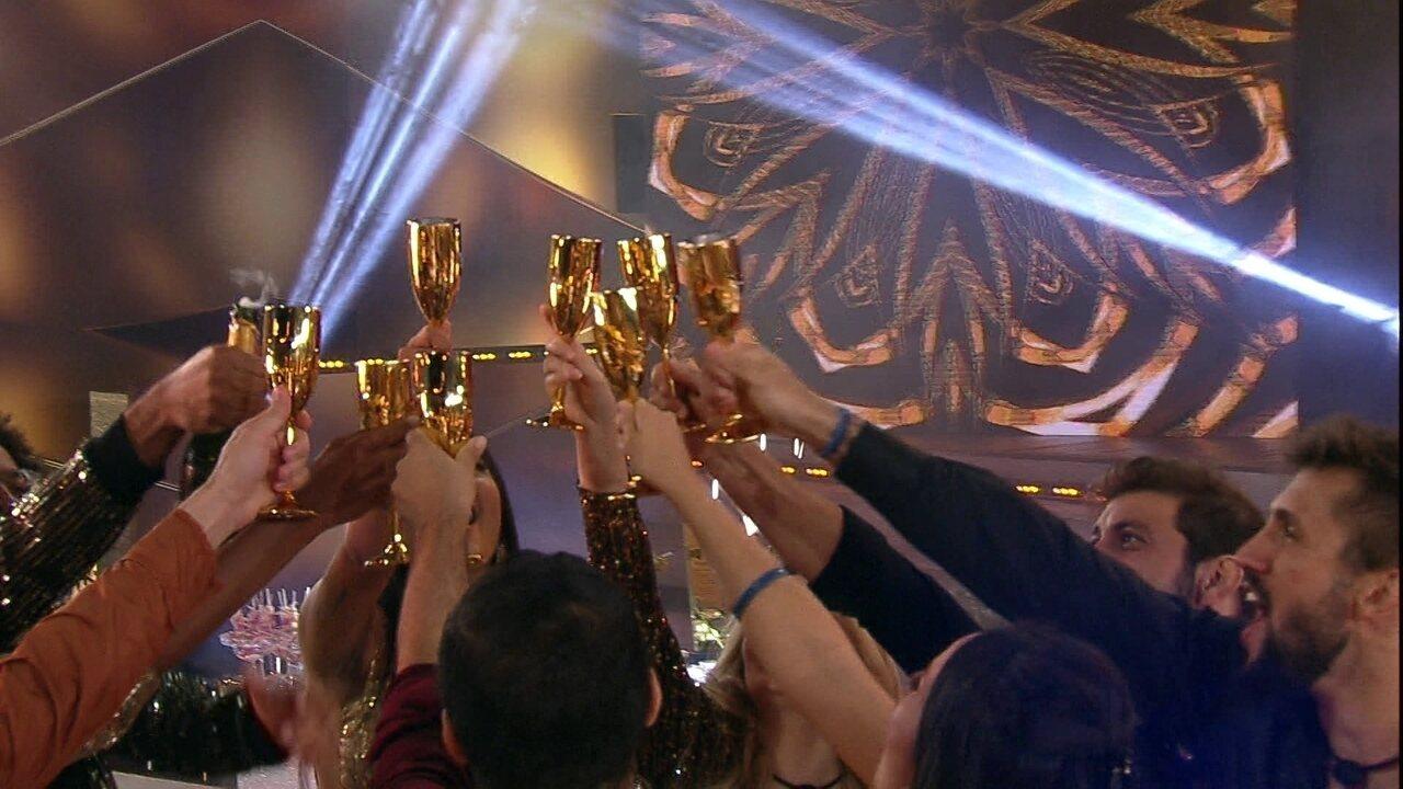 Na festa Cor&Ton, Brothers brindam em comemoração aos 17 dias para a Final do BBB21