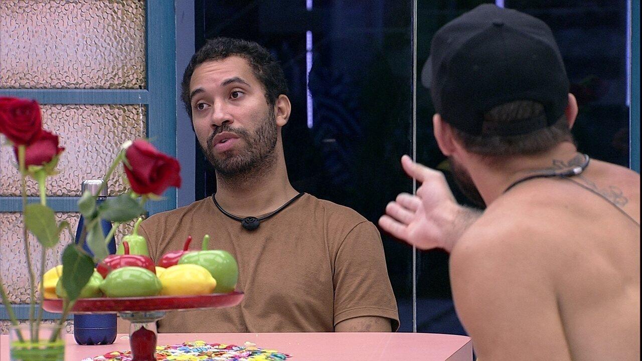 Gilberto diz que próximo Paredão precisa ser diferente e Arthur opina: 'Está previsível'