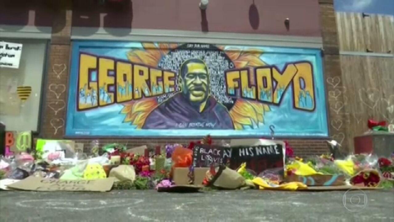 Manifestantes voltam às ruas contra racismo, após condenação do ex-policial que matou George Floyd