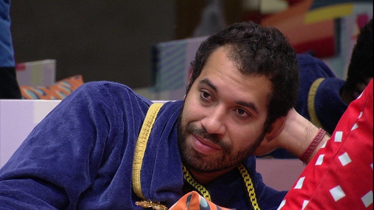 Líder no BBB21 pela terceira vez, Gilberto avalia indicações: 'Não acerto uma'