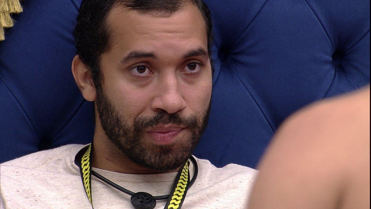 Gilberto fala sobre Paredão com Arthur: 'Você só não vai se ganhar o Líder'
